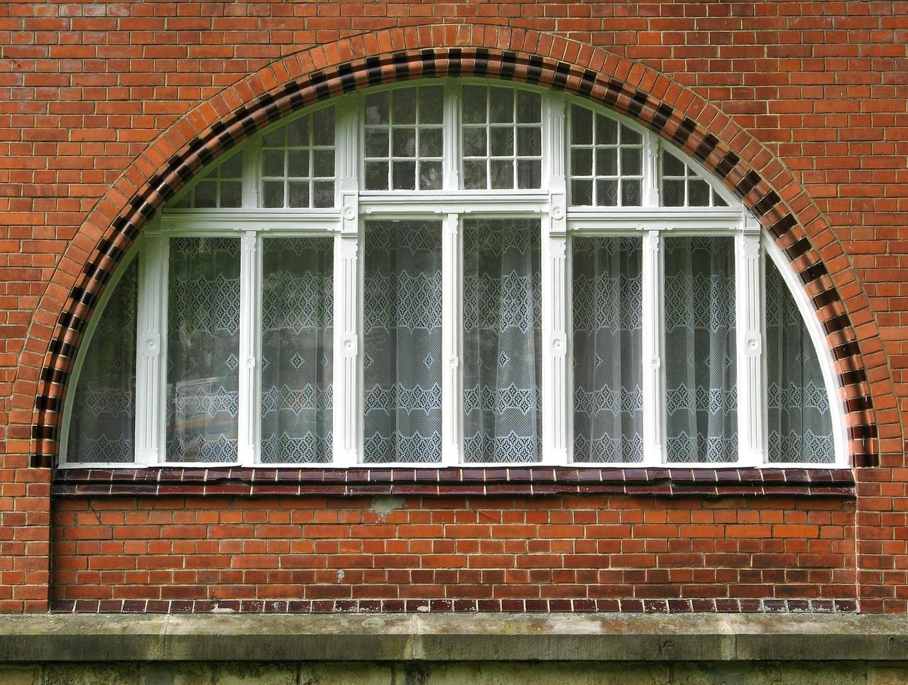 Okna do domu energooszczędnego – jakie wybrać, by nie żałować swojej decyzji?